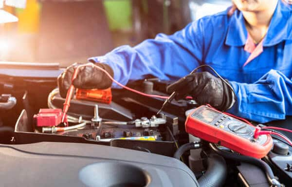Remove and connect a car battery